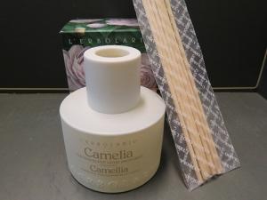 Fragranza per legni profumati camelia